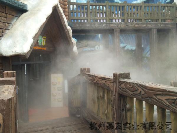 极地海洋公园喷雾降温2