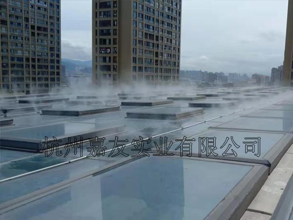 """东阳银泰城商场安装""""雾王""""高压喷雾降温系统"""
